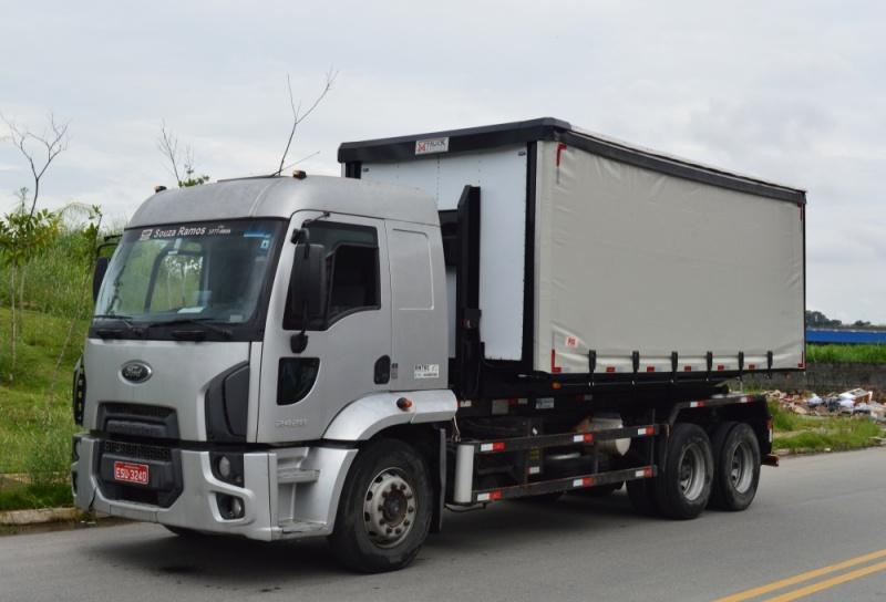 roll on roll off 1 - Transporte de Resíduos Perigosos