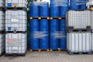 disposal chemical waste 300x201 - Transporte de Resíduos Perigosos